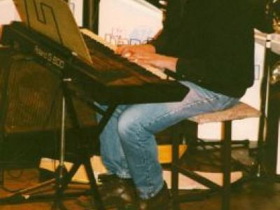 1999 04